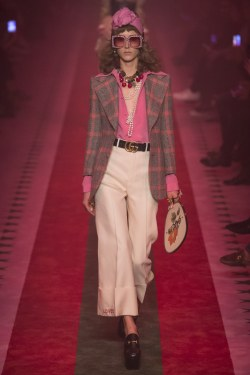 Gucci Spring 2017 Look 1
